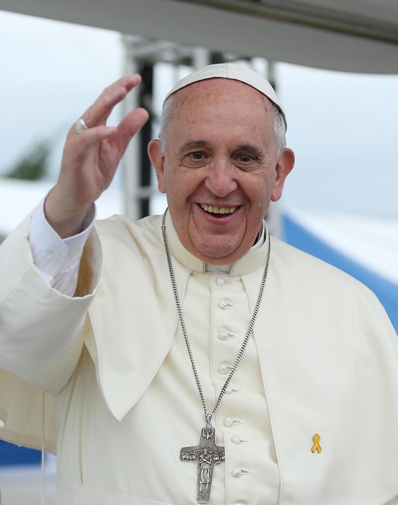 ローマ「法王」を「教皇」に 政府が変更、毎日も早速追随